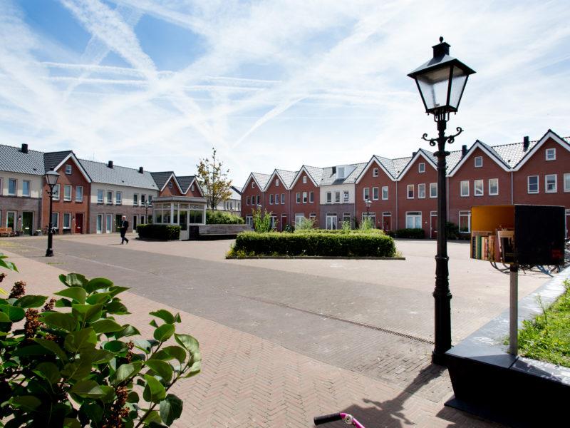 Woningen aan het VOC plein in de Delfshaven.