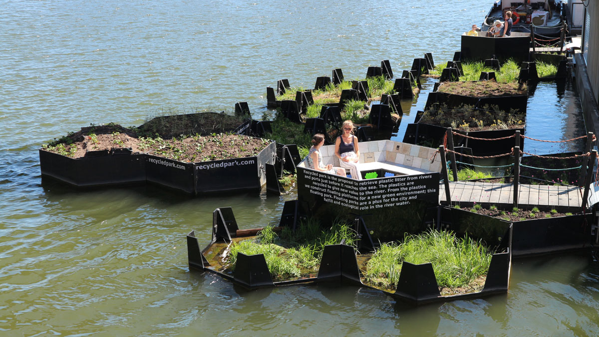 Recycled Park: floating plastic waste turned into sustainable green