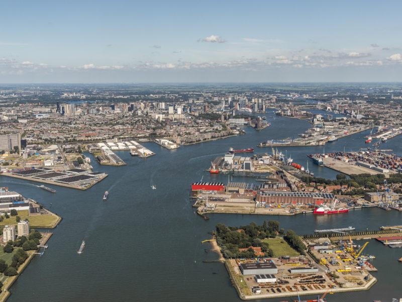 Rotterdam vanuit de lucht.