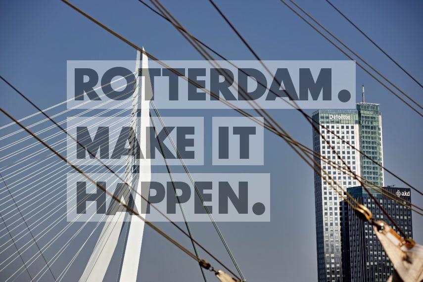 Architectonische lijnen bij de Veerhaven.