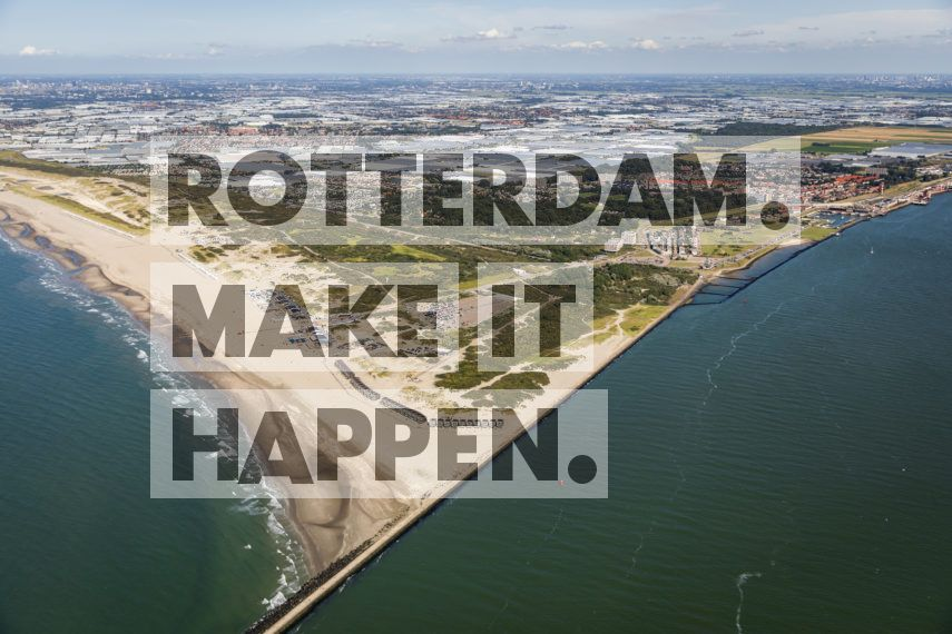 Hoek van Holland: Rotterdam beach seen from the sky.