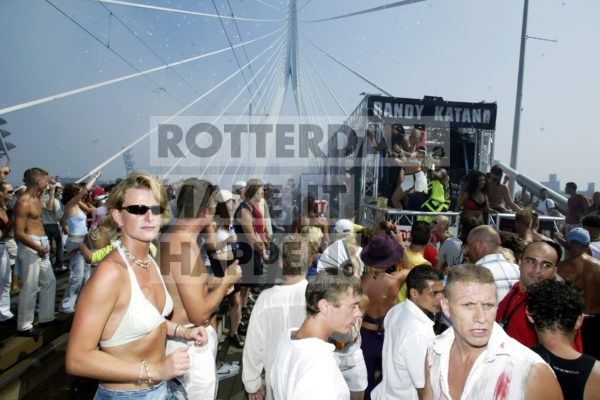 In the summer of 1997, 40 trucks, followed by 75,000 ecstatically dancing festival visitors, saw the birth of a tradition that would earn Rotterdam the title 'Dance capital of Europe'. Within just a few editions, the Dance Parade grew into the most prestigious dance event in the Benelux. At its height, 400,000 visitors found their way to Blaak, Coolsingel and the Erasmus Bridge.