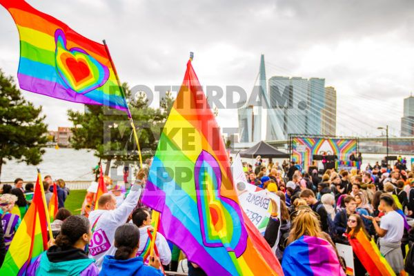 Rotterdam Pride is the annual event for LHBTIQ+, which has been organised in the city since 2014. Rotterdam Pride is for all those who want to celebrate the freedom of sexual diversity. Among other things, the event features an arts and cultural programme and the pride walk, as well as a multitude of parties right in the centre of Rotterdam. In 2019 the Erasmus Bridge featured the rainbow colours on the occasion of the sixth edition of Rotterdam Pride.