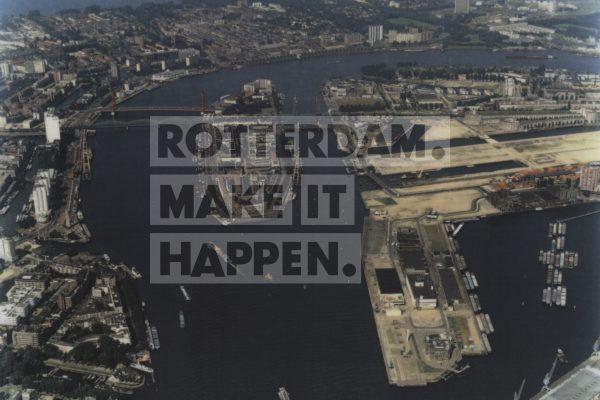 Skyline Rotterdam in 1995, just before the construction of the Erasmus Bridge. ©Aeroview-Dick Sellenraad