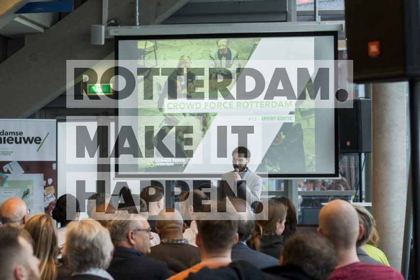 Presentatie tijdens Crowd Force van R'damse Nieuwe.